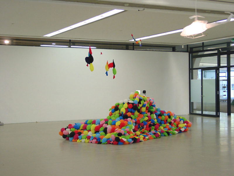 Hans-Hemmert-–-German-Panther-2007-balloons-air-glue-960-x-370-x-300cm-Staedtische-Galerie-Nordhorn-after-three-weeks