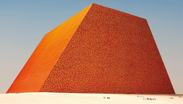 Christo - The Mastaba (Abu Dhabi) - 1