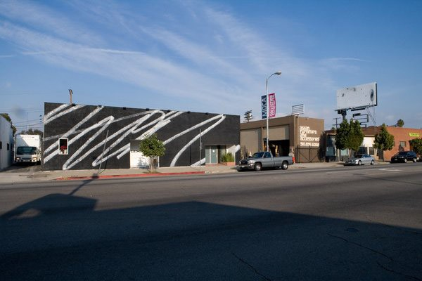 Karl Haendel - Public -Scribble #2 - LAX Art facade, 2009 in Los Angeles - 2