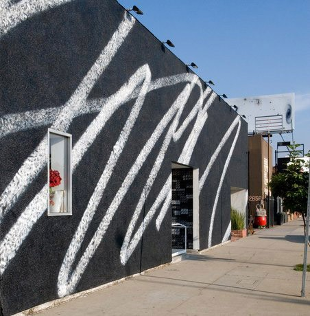 Karl Haendel - Public -Scribble #2 - LAX Art facade, 2009 in Los Angeles - 3