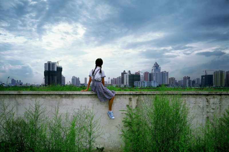 Weng Fen – Sitting on the Wall