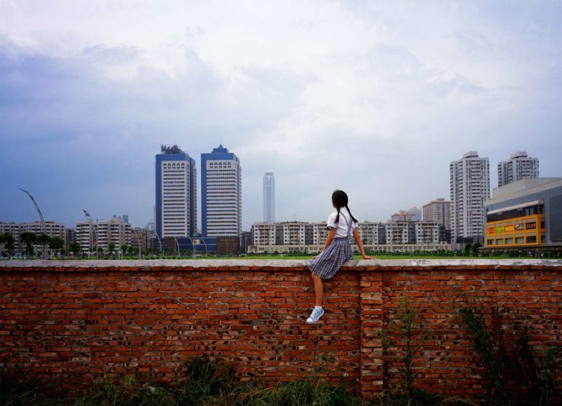 Weng Fen - Sitting on the Wall - Guangzhou, 2002-2003
