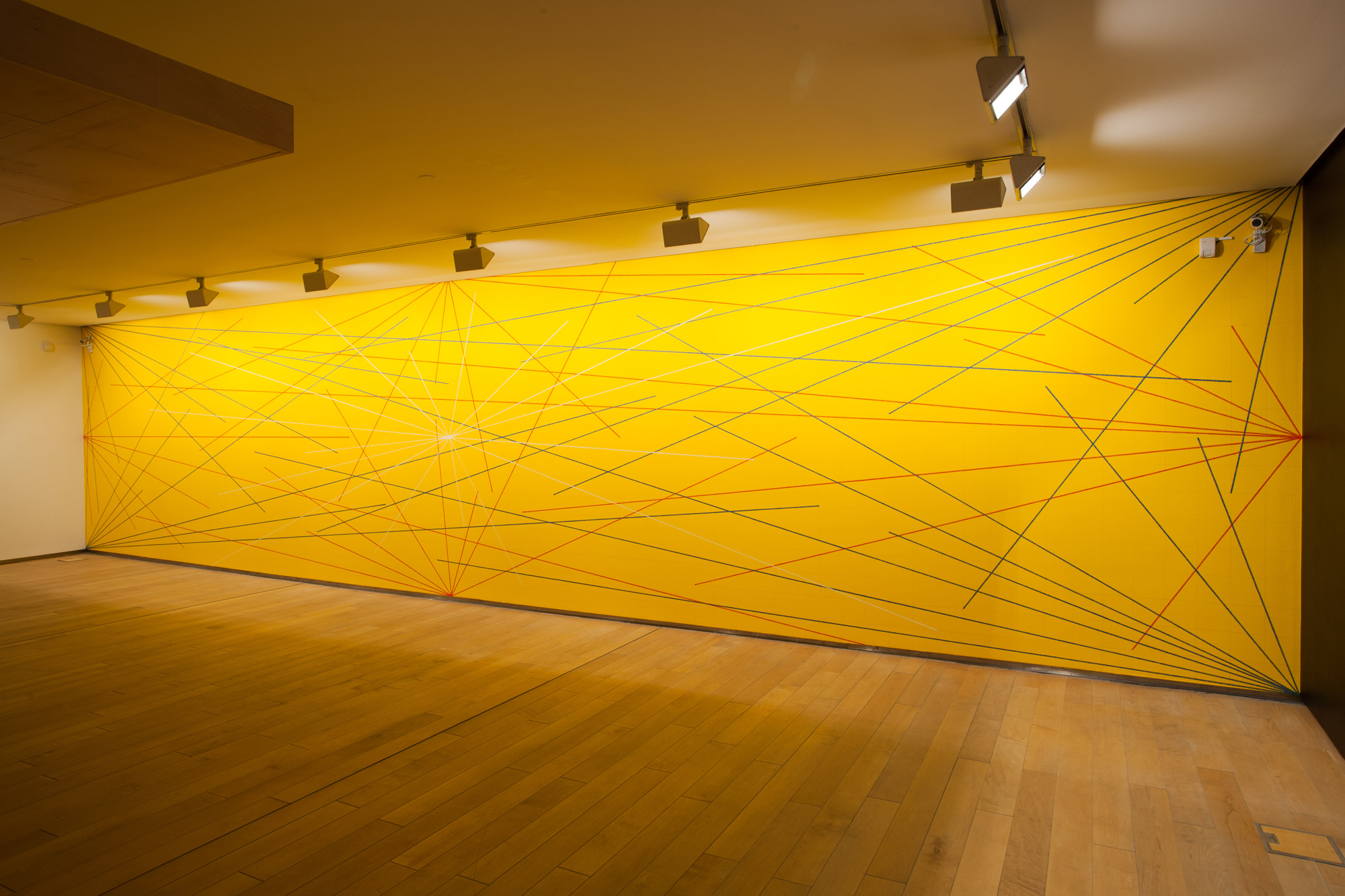 Sol lewitt 39 s influential drawings on walls around the world for Sol lewitt art minimal