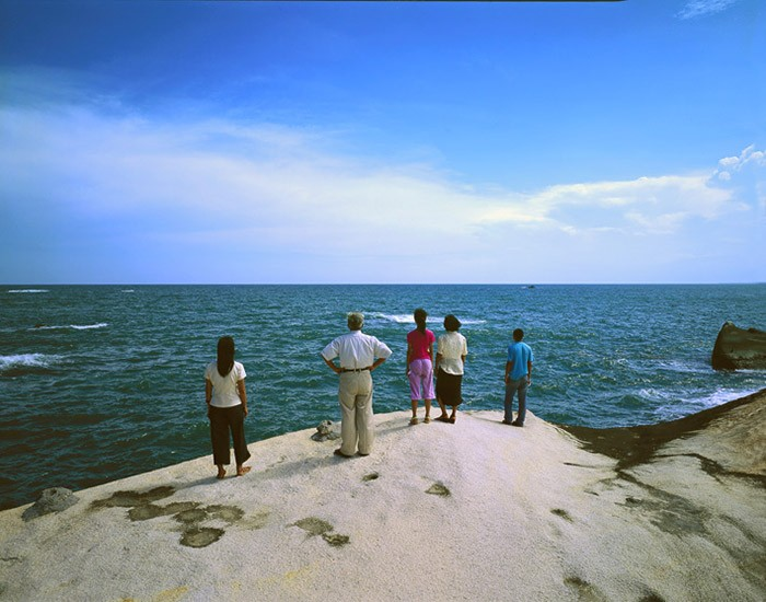 Weng Fen - Staring at the Sea, 2004, No. 5, c-print, 125x165cm