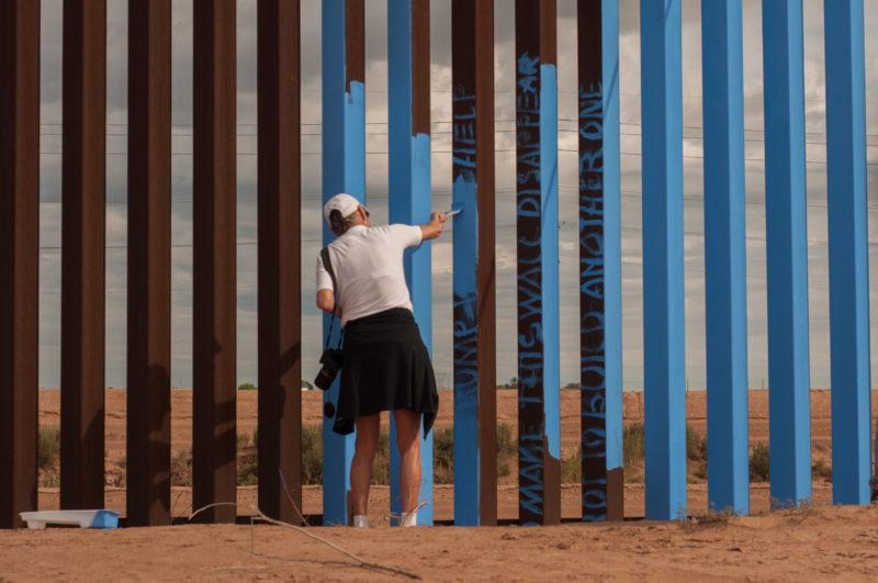 Ana Teresa Fernández – Erasing the Border – Borrando la Frontera, 2015