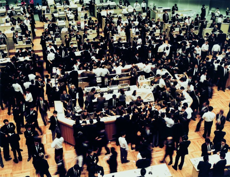 Andreas Gursky - Tokyo, Stock Exchange, 1990