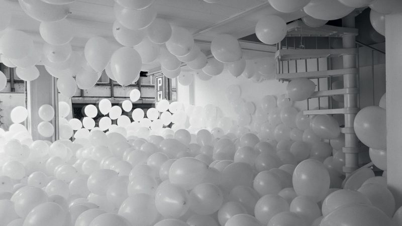 Martin Creed - Work No. 200. Half the air in a given space, 1998 Courtesy the artist and Hauser © Martin Creed
