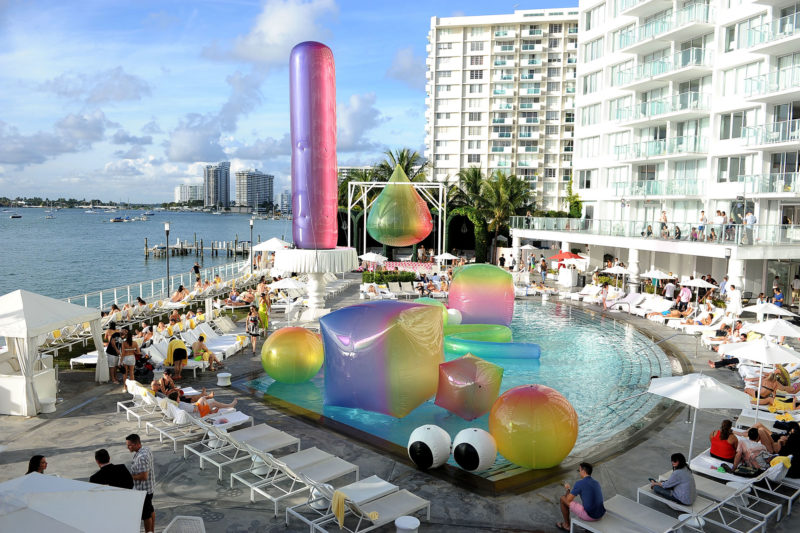 FriendsWithYou - Somewhere Over the Rainbow, Art Basel Miami, USA, 2013 1