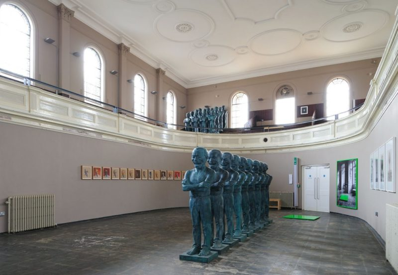 Yue Minjun - Contemporary Terracotta Warriors, 2005, installation view, Pete and Repeat, 2009 at Zabludowicz Collection, London. Photo- Thierry Bal