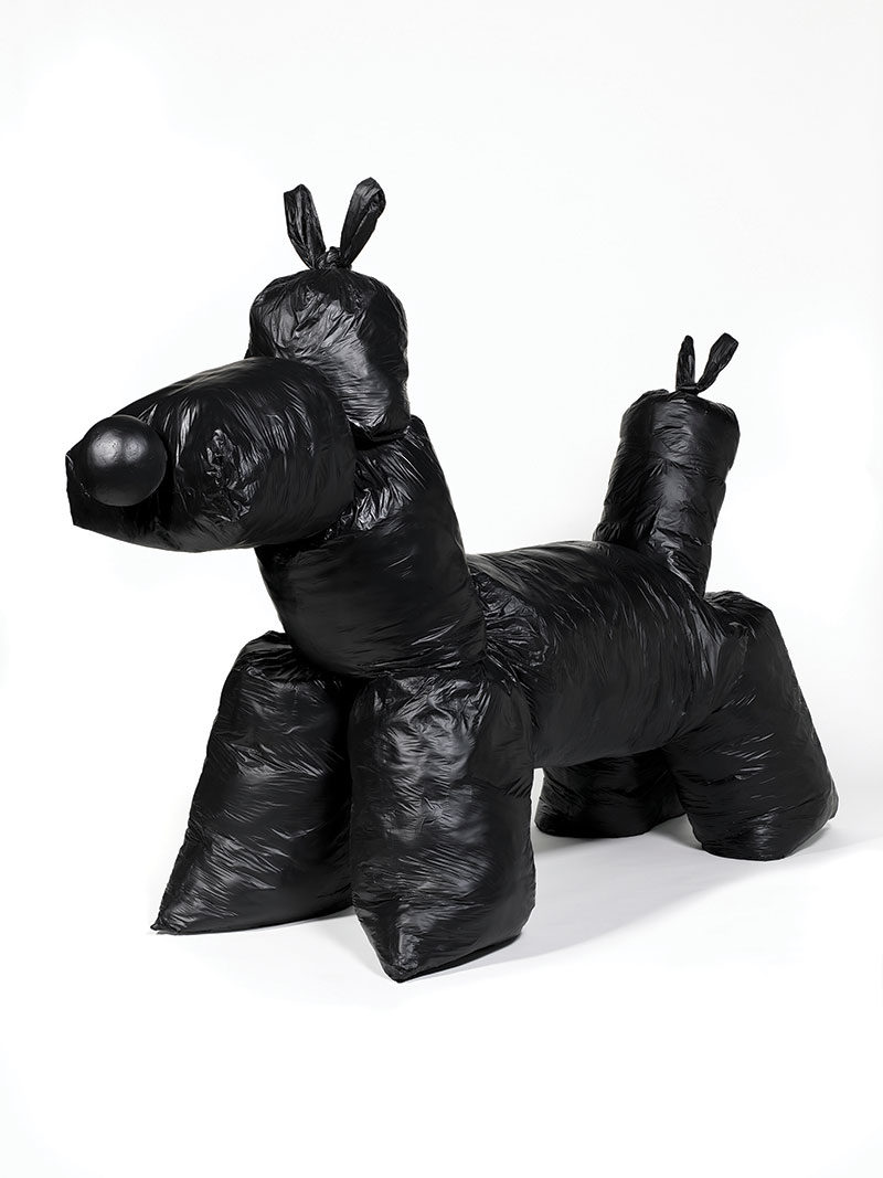 Artist mocks Jeff Koons highest priced work using garbage bags