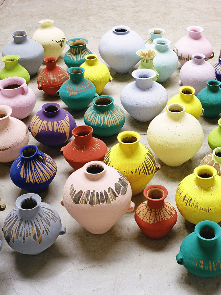Ai Weiwei's colored vases: Clever artwork or vandalism?