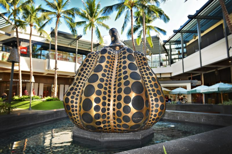 Yayoi Kusama - Pumpkin (M) 2014, Ala Moana Center, Honolulu, Hawaii