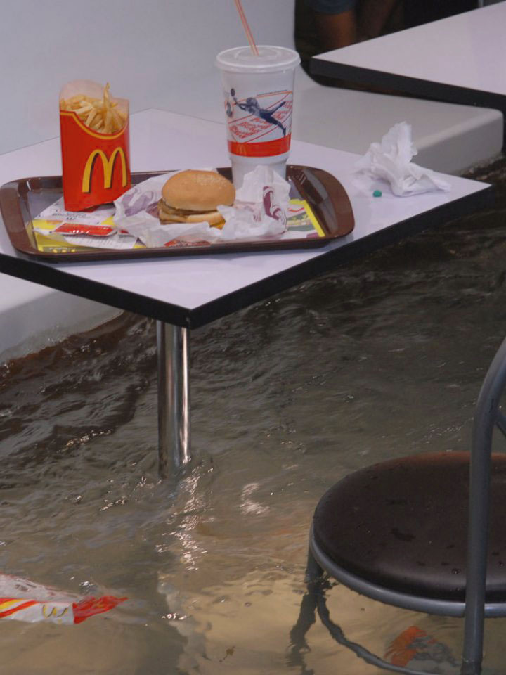 Uncontrollable destruction when Superflex flood McDonald's