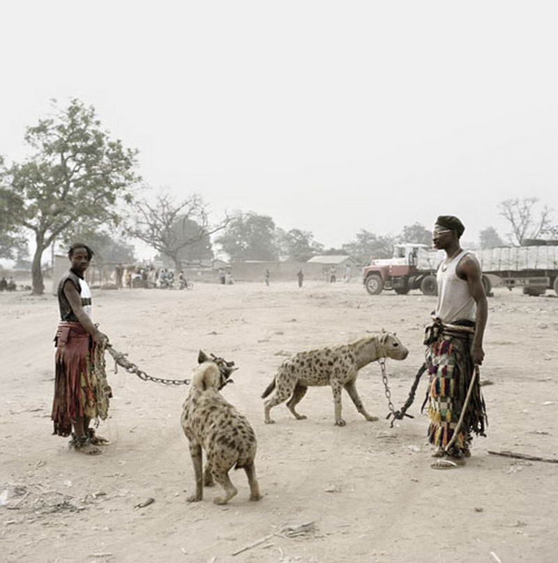 Pieter Hugo - Mallam Galadima Ahmadu with Jamis and Mallam Mantari Lamal with Mainasara, Nigeria 2005 II