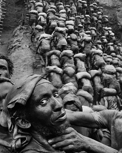 Sebastião Salgado's impressive photos: This was Brazil's largest & most dangerous gold mine
