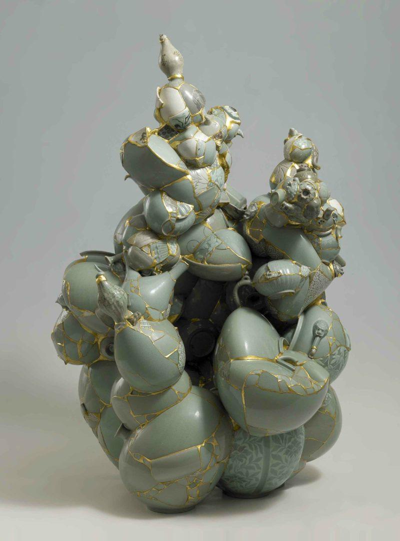 Yeesookyung - Translated Vase, 2009, Ceramic shards, aluminum bars, epoxy resin, 24K gold leaf, 122x84x81cm