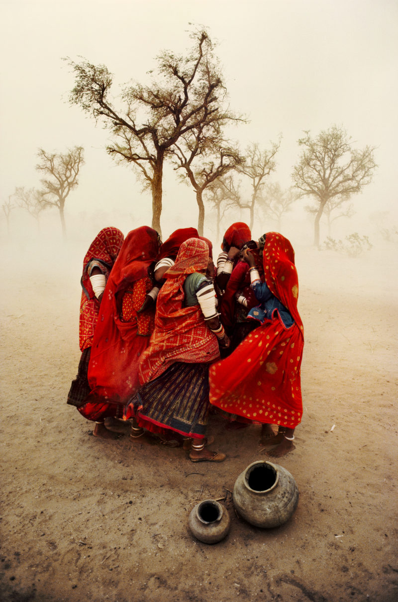 Steve McCurry - Dust storm, Rajasthan, 1983