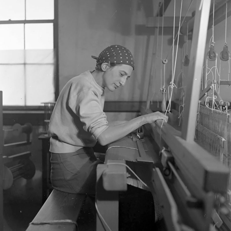 Anni Albers works in her weaving studio at Black Mountain College in 1937