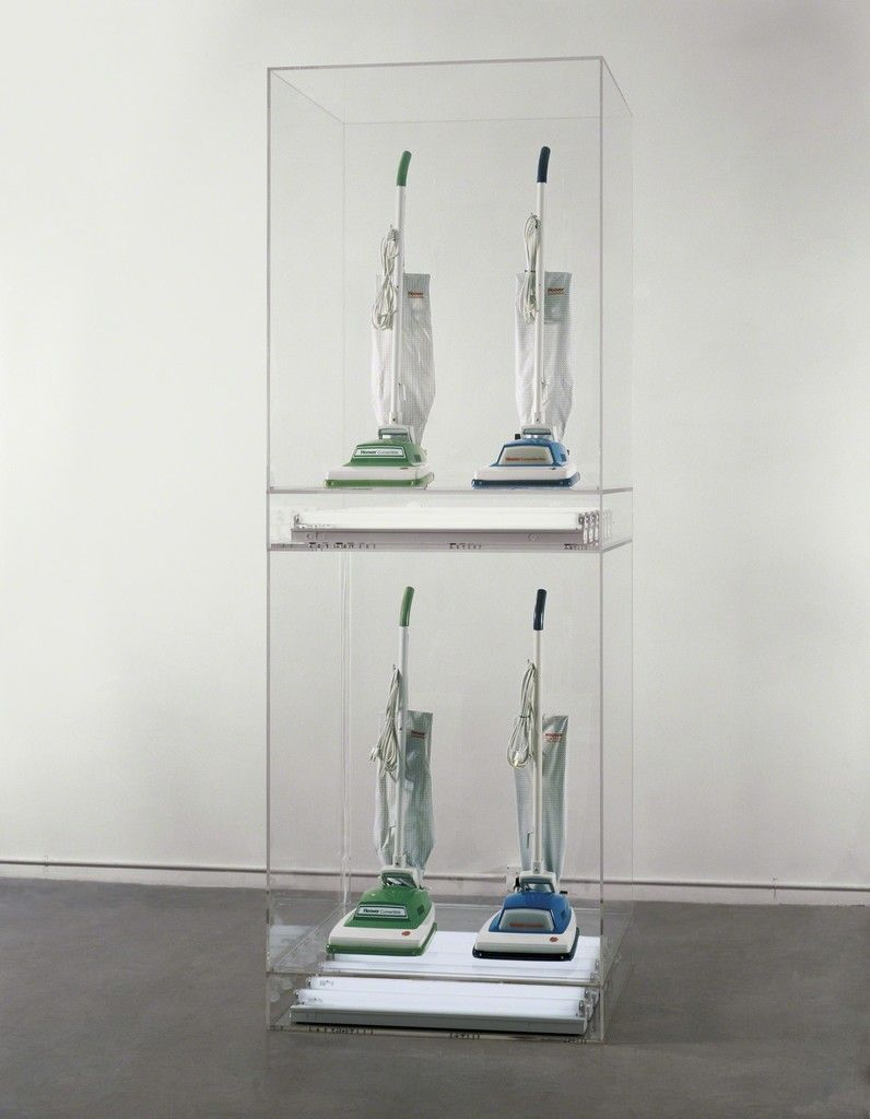 Jeff Koons - The New - New Hoover Convertibles Green, Blue, New Hoover Convertibles, Green, Blue Doubledecker, 1981–7, 4 vacuum cleaners, Perspex and fluorescent lights, 251 x 137 x 71,5 cm