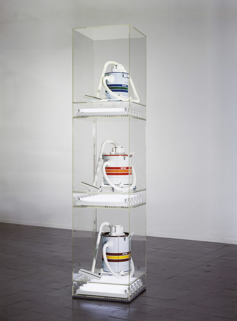Jeff Koons - The New - New Shelton Wet/Drys Tripledecker, 1981, Three vacuum cleaners, acrylic, fluorescent lights, 316.2 x 71.1 x 71.1 cm