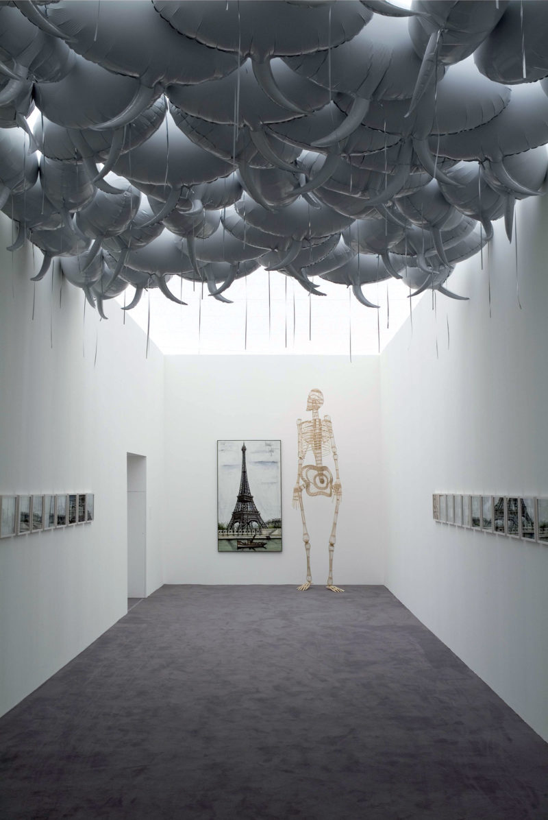 Philippe Parreno - Speech Bubbles (Grey) (foreground), 1997