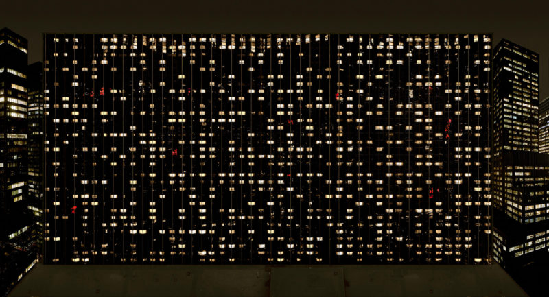 Andreas Gursky - Avenue of the Americas, 2001
