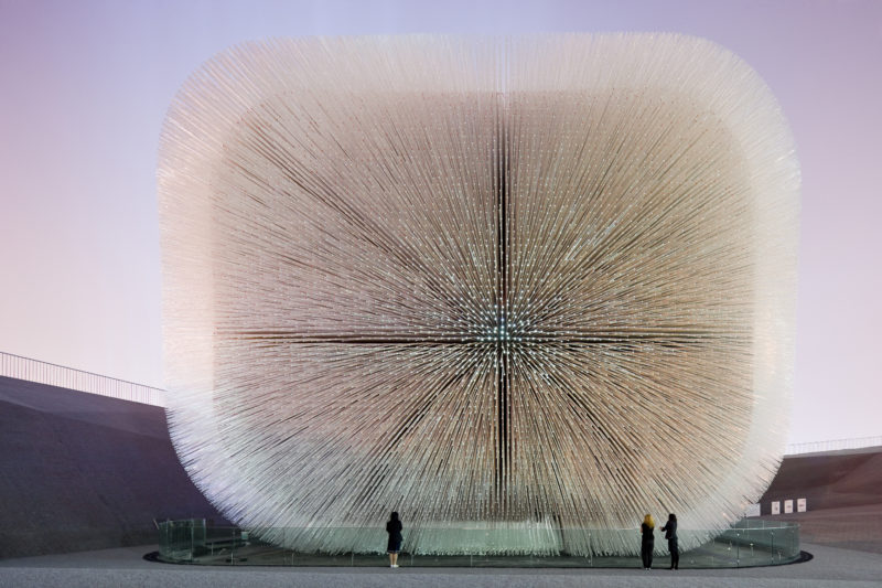 Heatherwick Studio – Seed Cathedral, UK Pavilion for Shanghai World Expo 2010, 15 m high, 10 m tall, 7.5 m long, 60,000 identical rods of clear acrylic, 250,000 seeds cast into the glassy tips