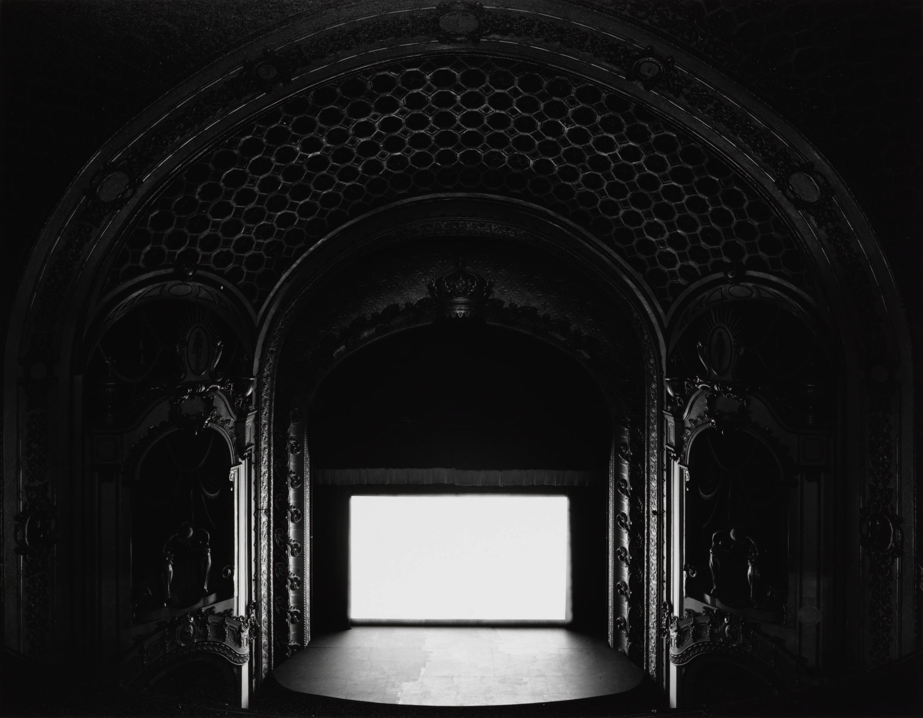 Hiroshi Sugimoto - Theaters - State Theatre, Sydney, 1997