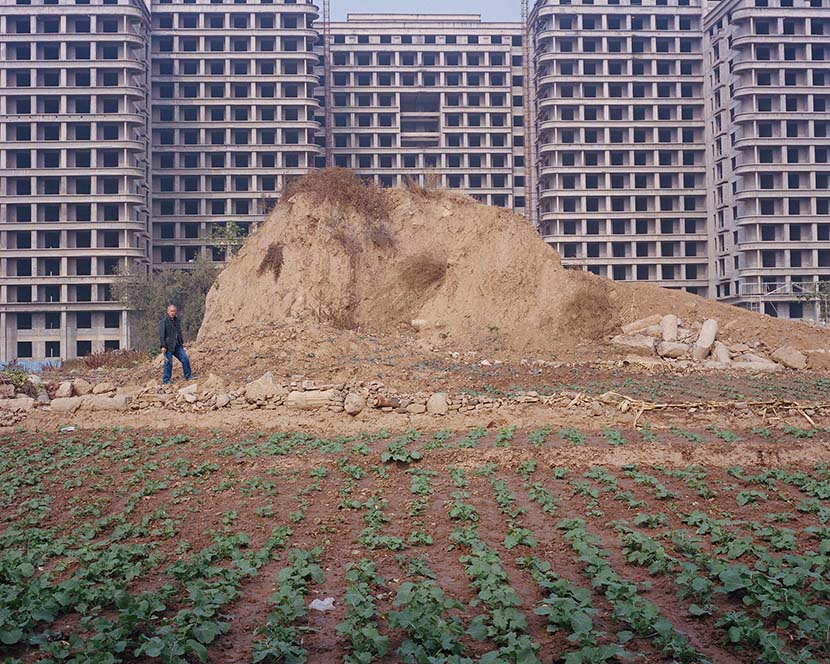 Shi Yangkun - Buildings under construction in Nanjie, Henan province, 2018