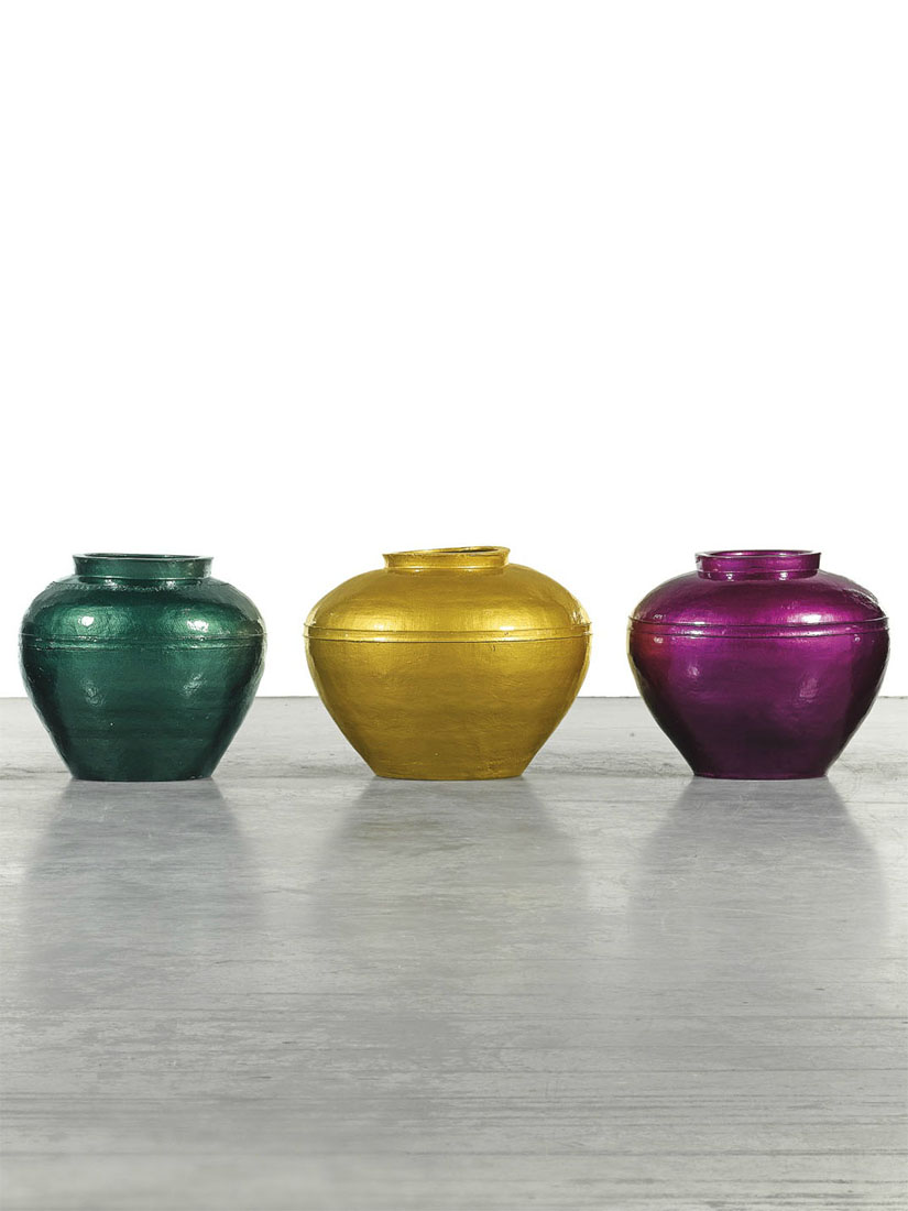 Ai Weiwei dips 2,000 year old Chinese vases in paint