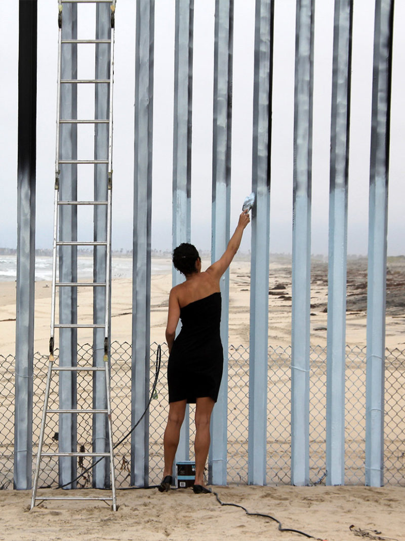 Ana Teresa Fernández erased the US-Mexico border - This is how