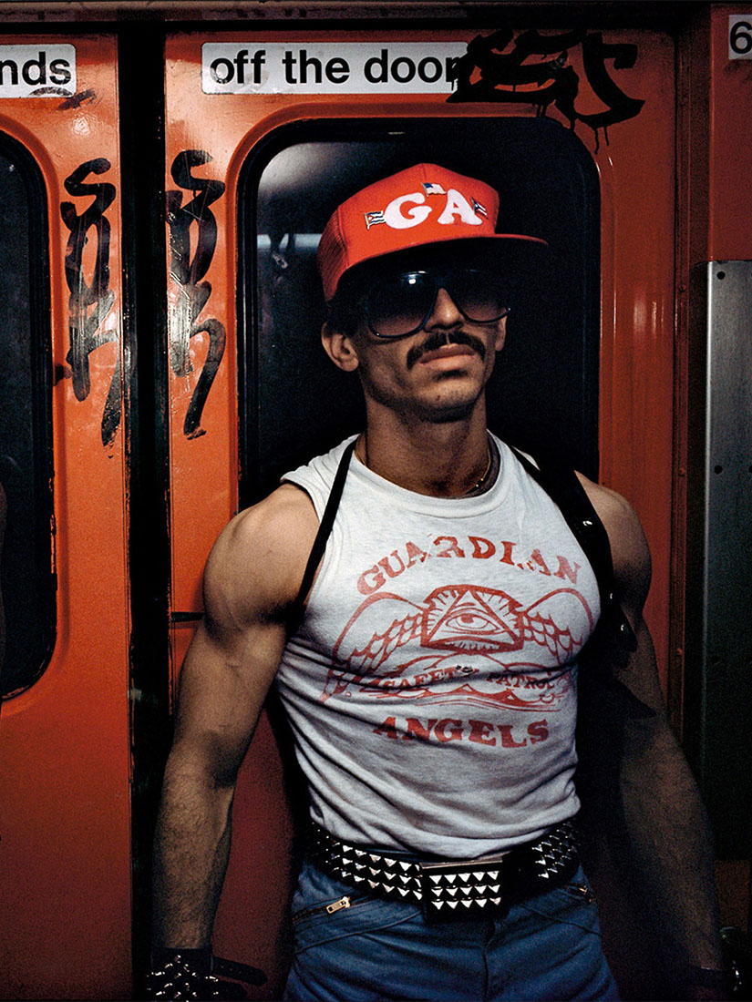Bruce Davidson's sexy & scary subway photos