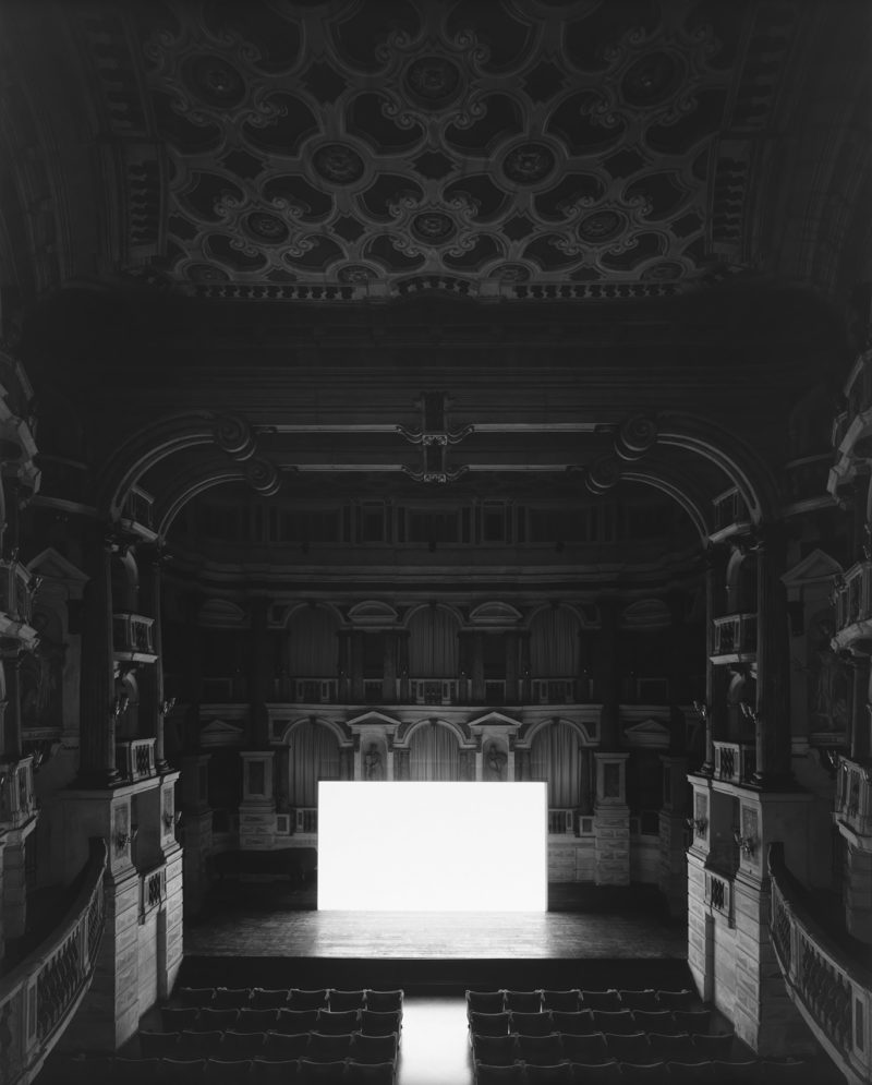 Hiroshi Sugimoto - Teatro Scientifico del Bibiena I Vitelloni, Mantova, 2015, I Vitelloni, Screen side