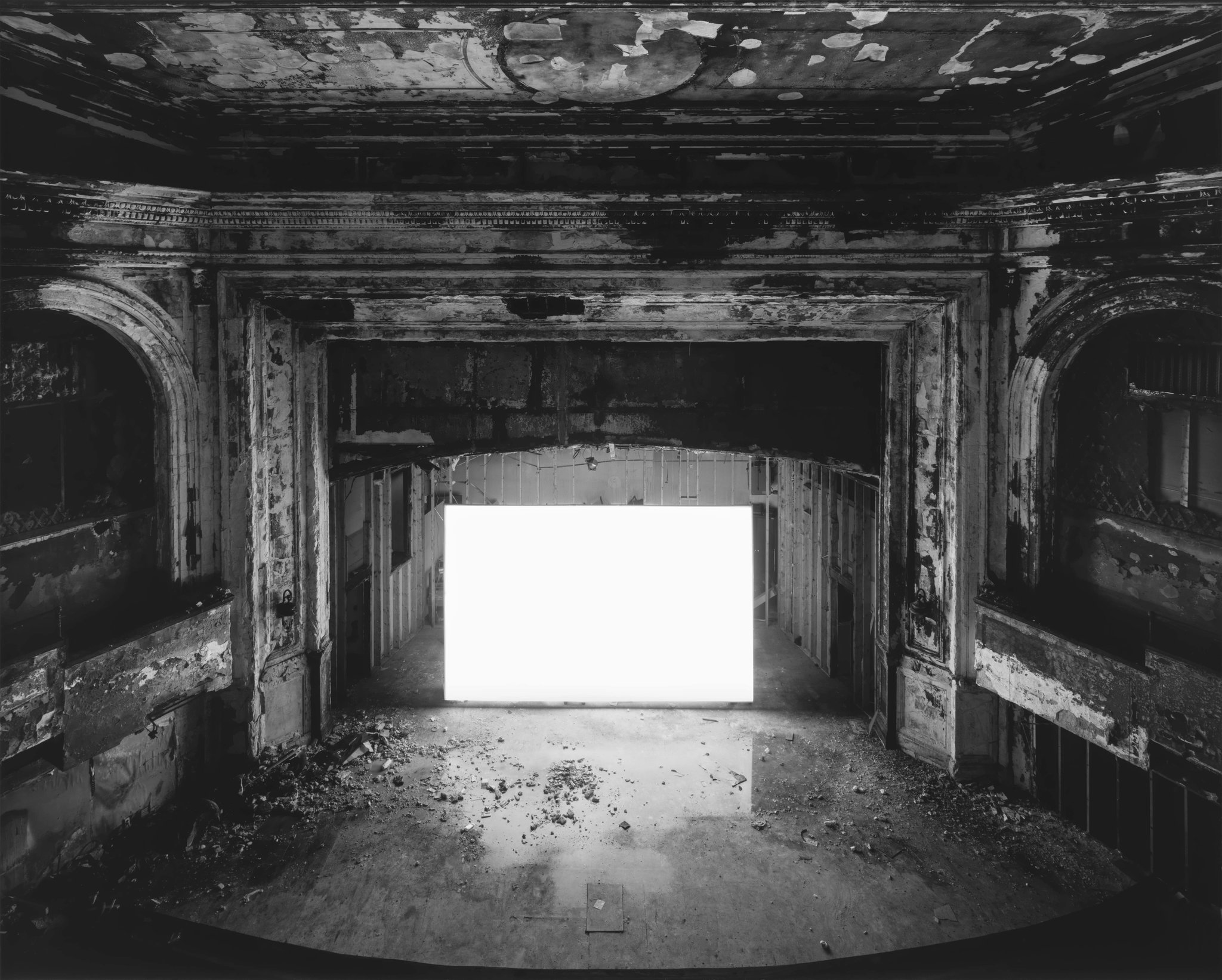 What is Hiroshi Sugimoto's Theaters photography project all
