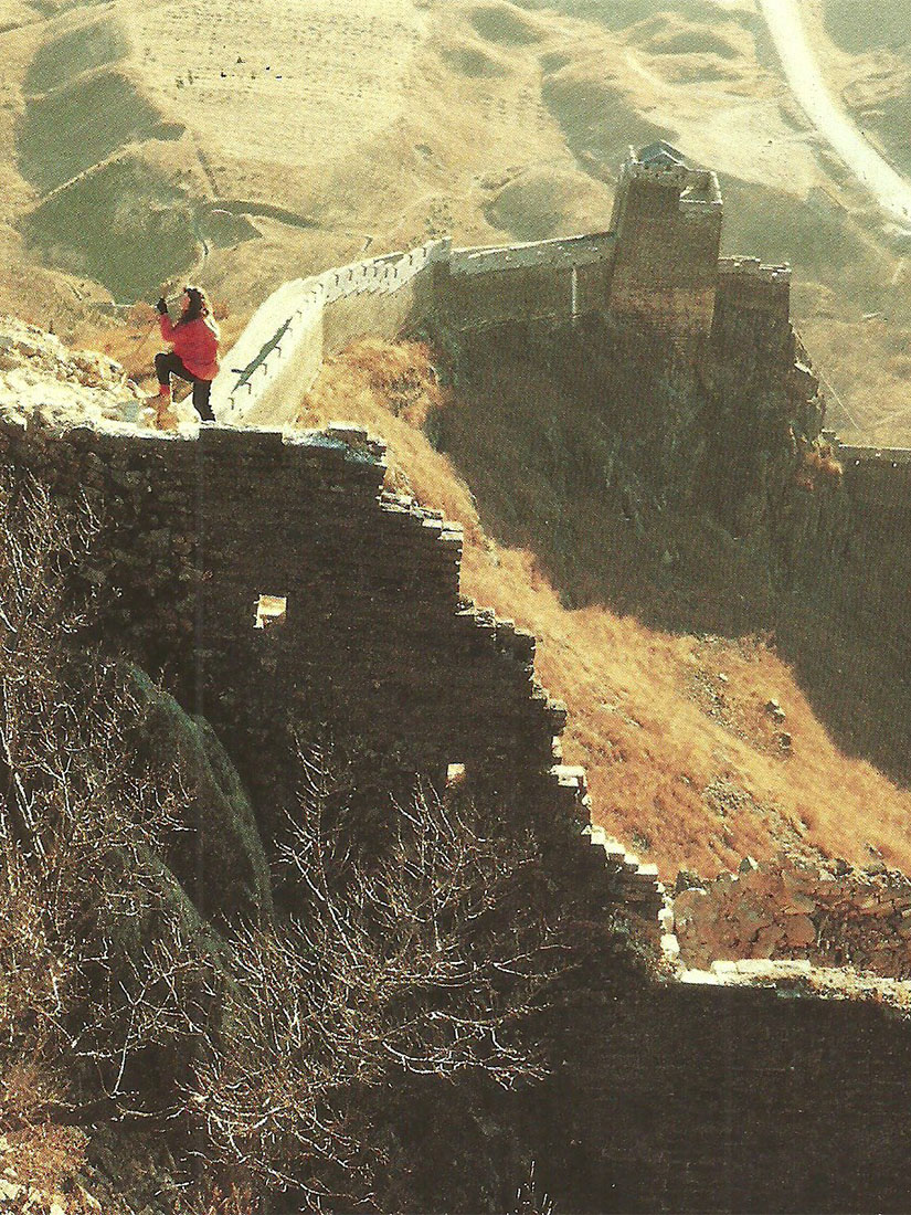 Marina Abramović walks China's Great Wall only to break up