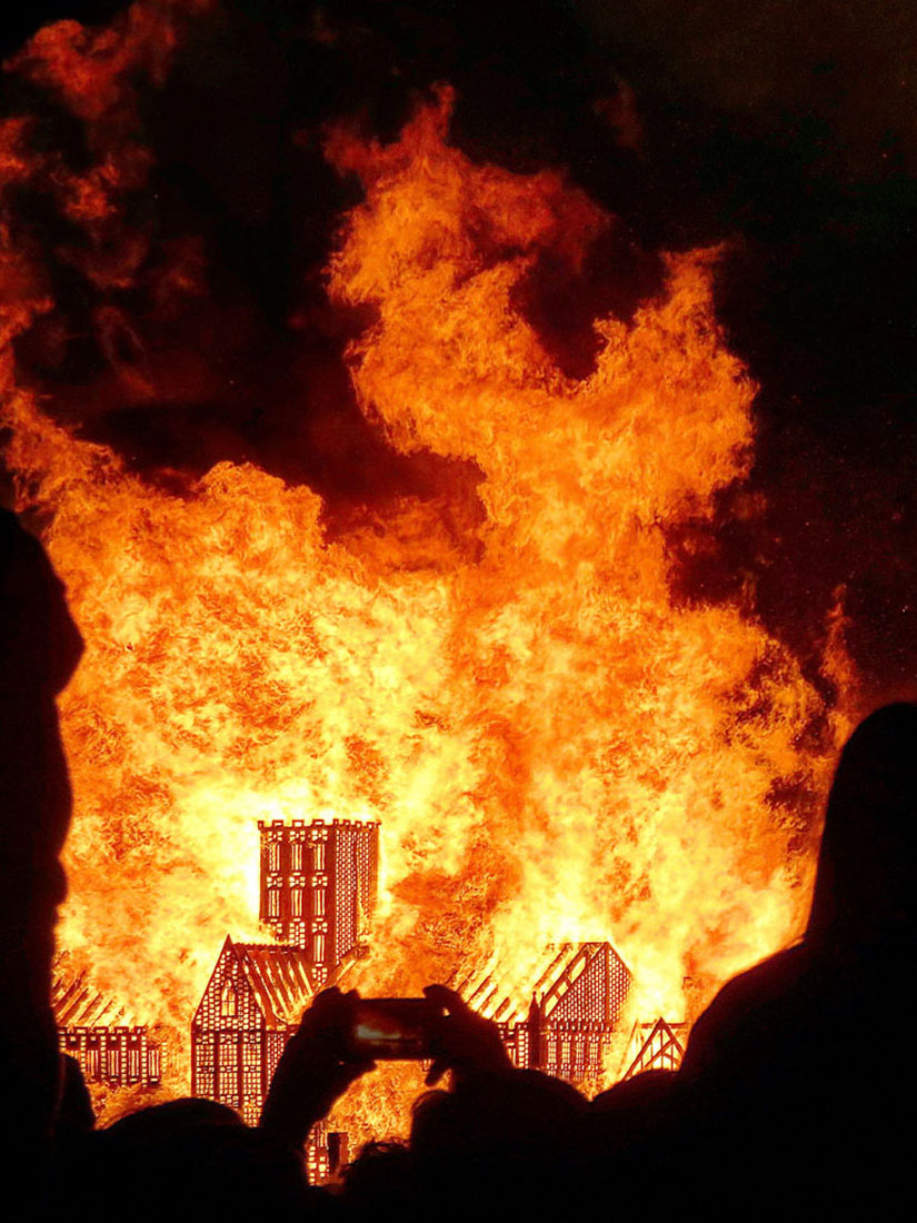 Great Fire of London: 120m replica of London skyline burned
