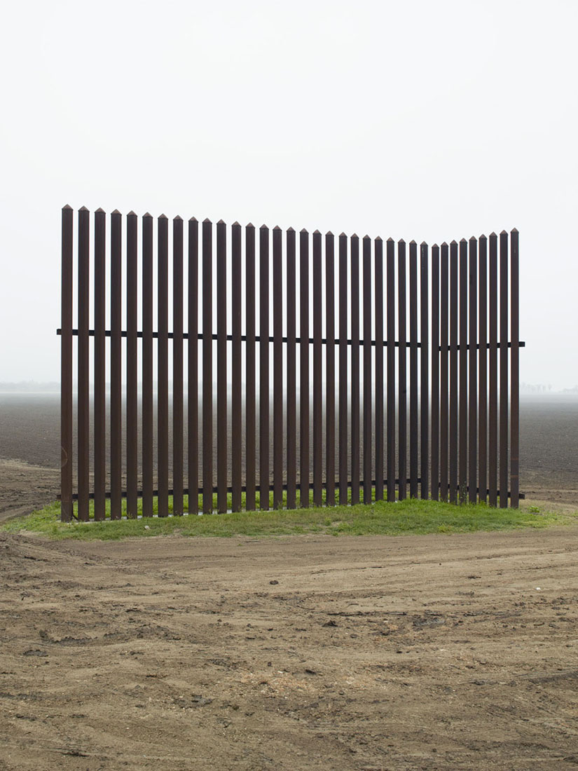 Richard Misrach - The border wall as you've never seen (and heard) it -
