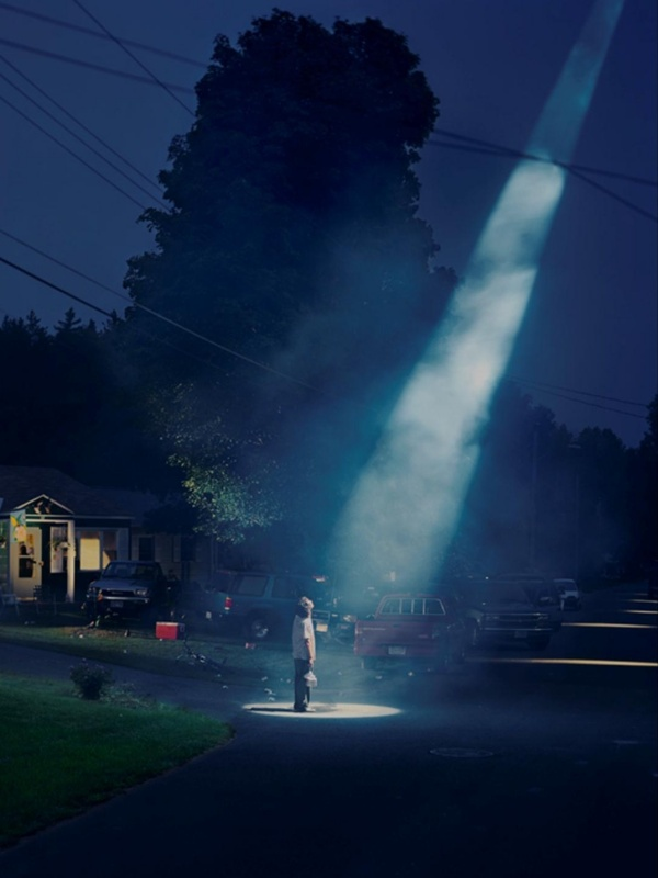 Gregory Crewdson's Twilight photos - Eerie & intriguing