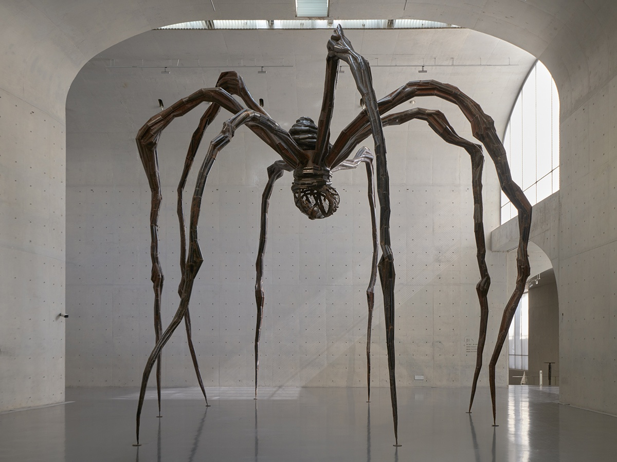 Louise bourgeois maman spider 1999 long museum west bund shanghai 2018