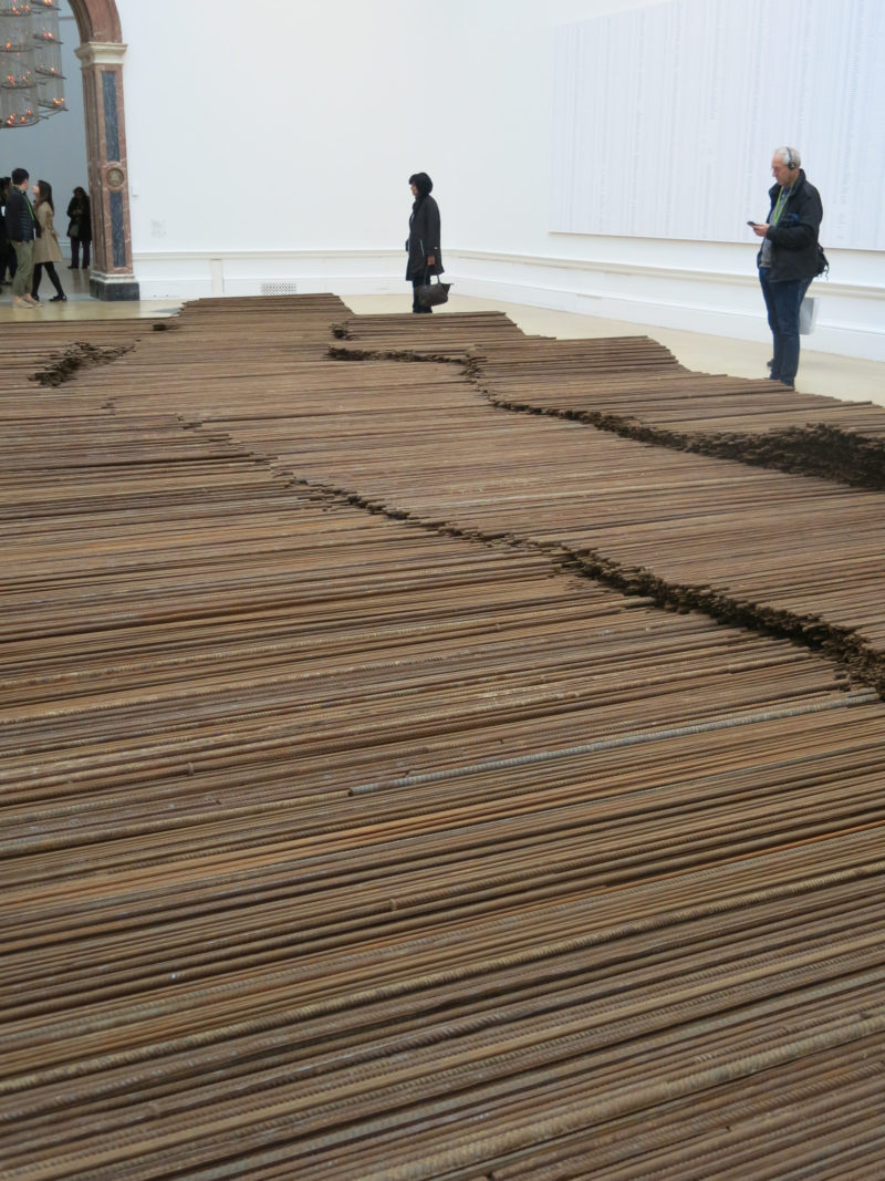 Ai Weiwei – Straight, 2008-2012, steel reinforcing bars, 600 x 1200 cm, Royal Academy of Arts, London