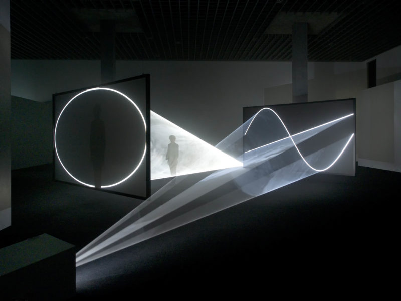 Anthony McCall - Face to Face, 2013, installation view, LAC, Lugano, 2015