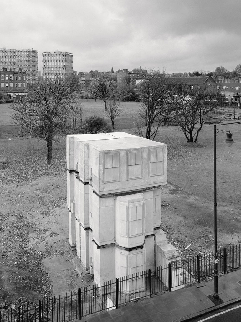 Why did Rachel Whiteread's House earn her the title Worst Artist?
