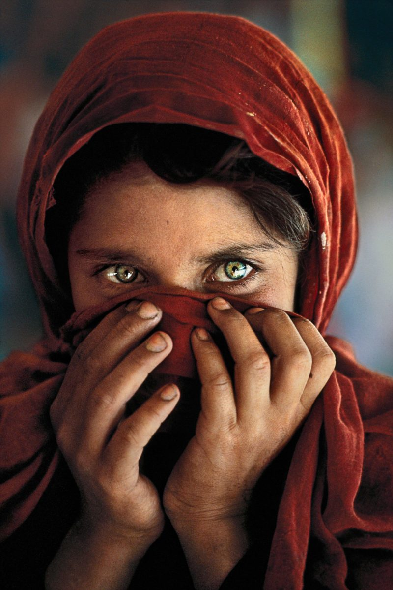 Steve Mccurry - Sharbat Gula, Nasir Bagh Refugee Camp, Peshawar, Pakistan