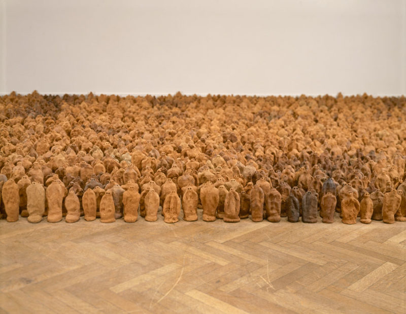 Antony Gormley - American Field, 1991, variable size, approx. 35 000 elements, each 8-26 cm, installation view, The Corcoran Gallery of Art, Washington DC, USA, 1993