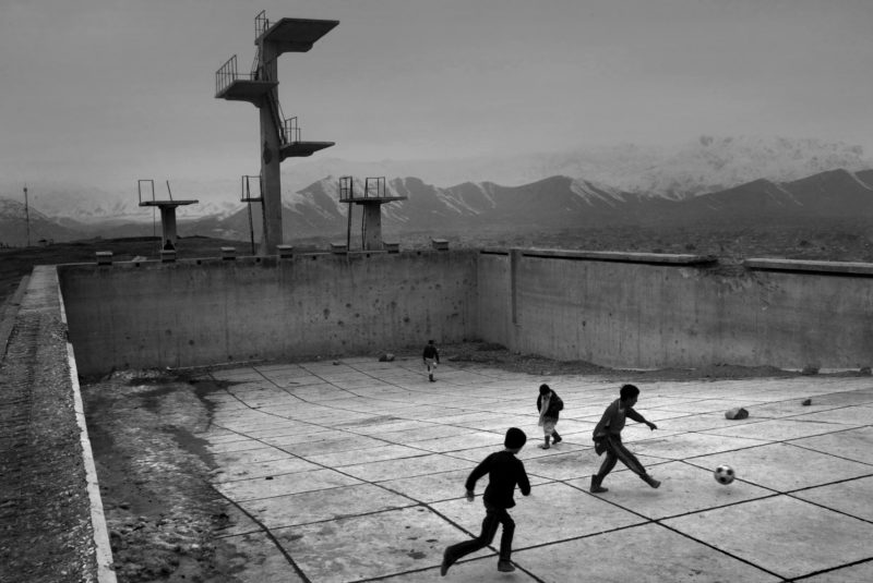 David Guttenfelder - Afghanistan - Afghan Swimming Pool, 2005