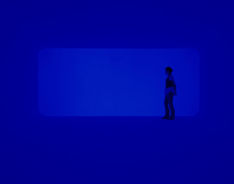 James Turrell – End Around, 2006, neon light, fluorescent light, space
