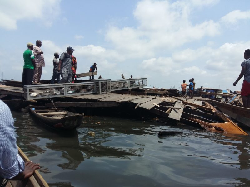 Residents work to dismantle the Makoko Floating School