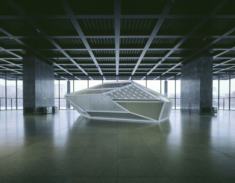 Carsten Nicolai - syn chron, 2004, lightweight structure, steel, aluminum, laser projection, sound system, rubber, 1250 x 800 x 460 cm, installation view