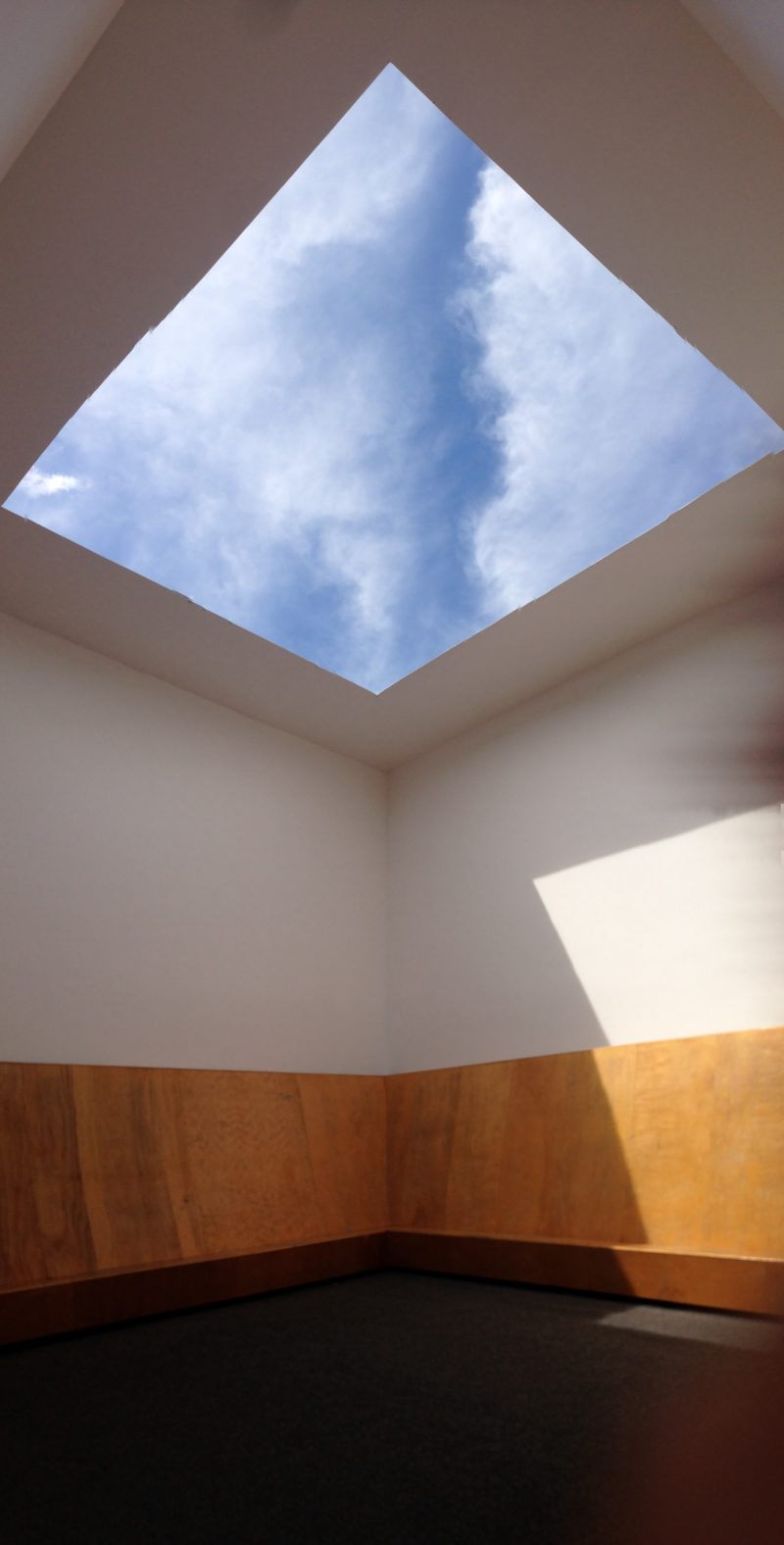 James Turrell – Meeting, 1980-1986:2016, installation view, MoMA PS1