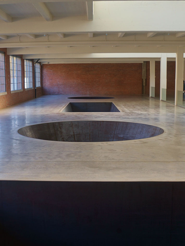 Michael Heizer – North, East, South, West, 1967/2002, installation view, Dia Art Foundation